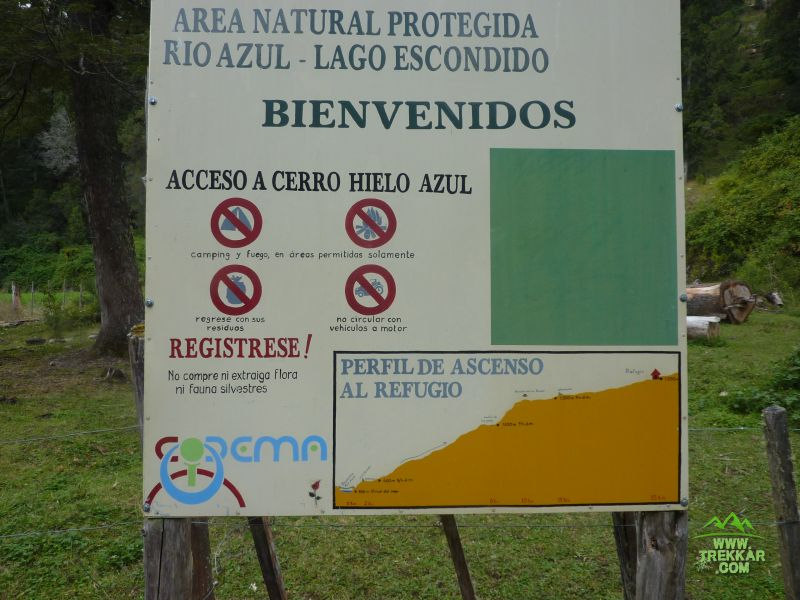 Sign at the begining of Hielo Azul refuge trail