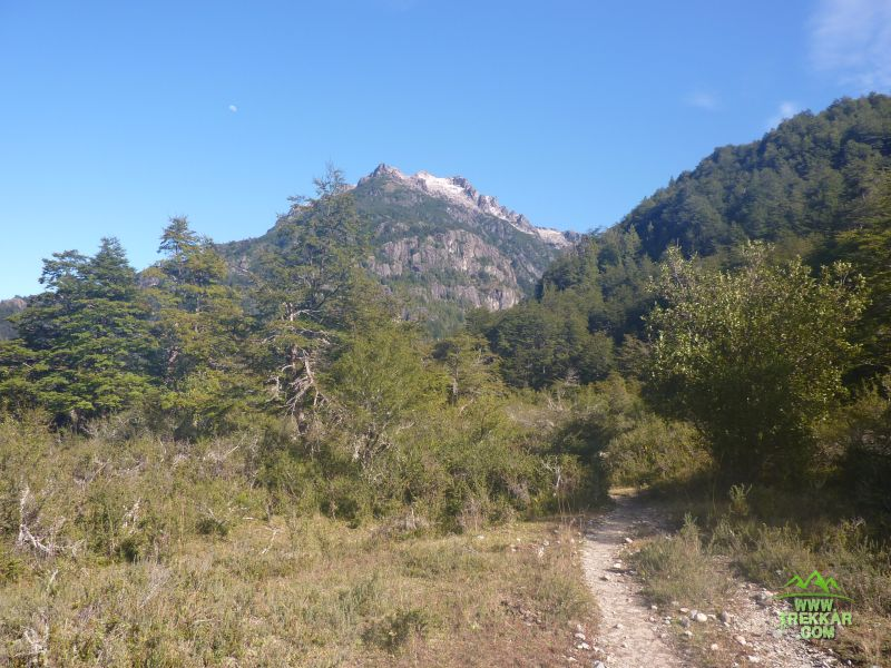 Trail to Los Laguitos refuge