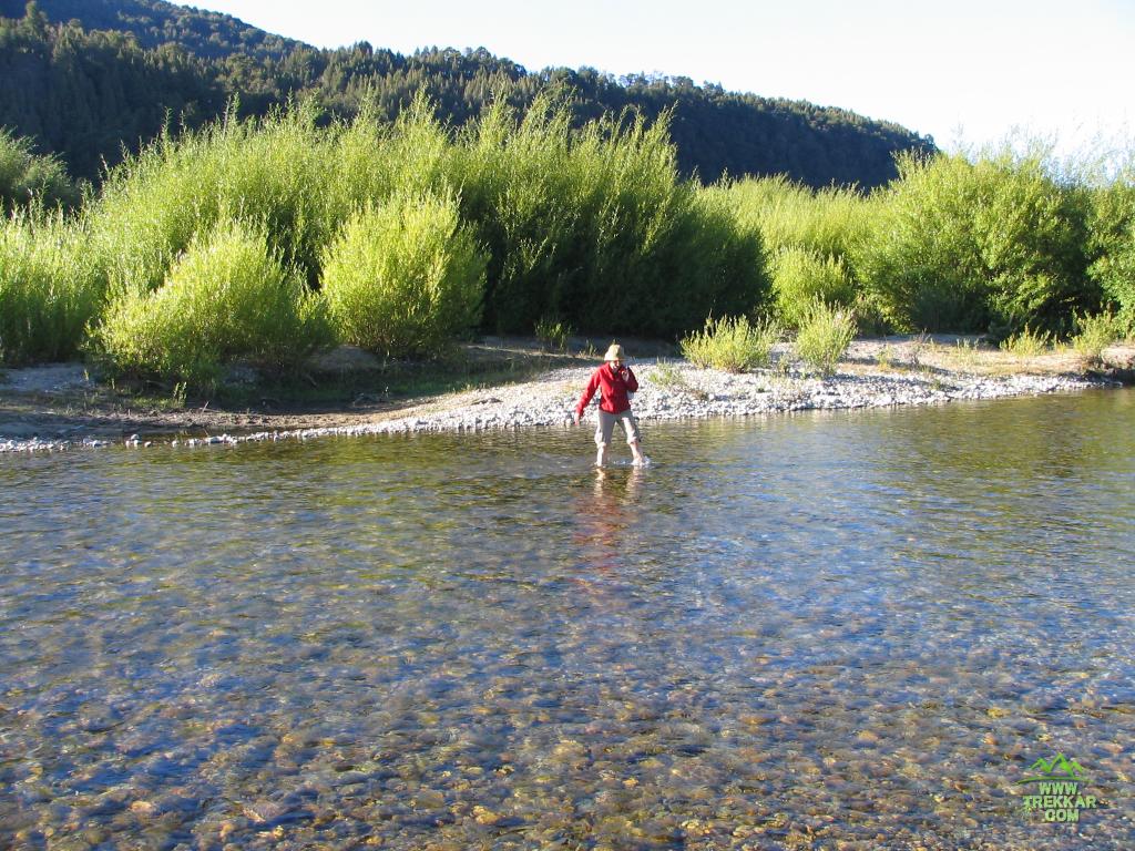 vadeando el Río Azul