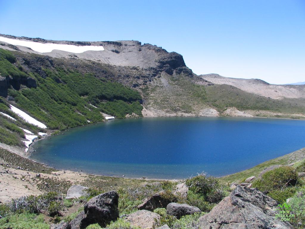 Cráter del volcán Batea Mahuida